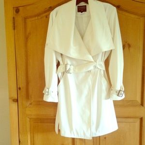 BEAUTIFUL white Chanel Boutique trench