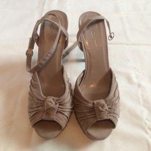 Nude platform pumps / heels with ankle straps