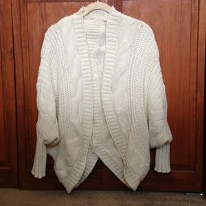 Cream Batwing Sweater fits S/M like New