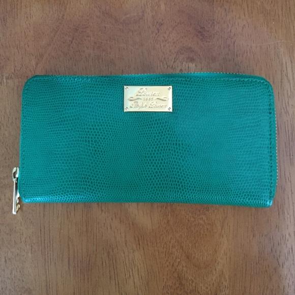 Ralph Lauren green leather snakeskin zippy wallet.  M 54dfcd58bf6df503d7010693 1d04b5b670997