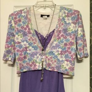 REDUCED!! Cute cropped floral cardigan!!