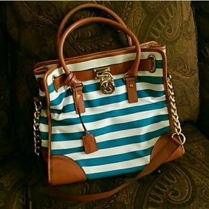 ??Auth Michael kors rare blue stripe hamilton bag!