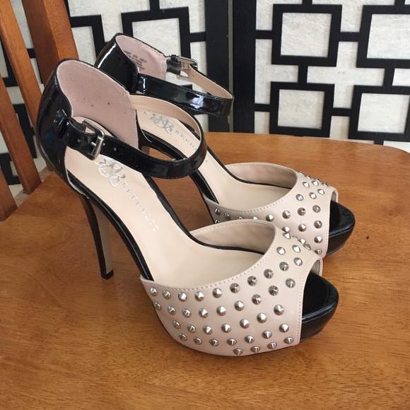 41d07d247951 Rock   Republic studded heels. M 54e0e9f8291a35718d0171e2