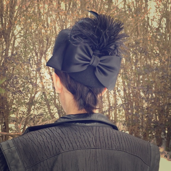 Michael Howard wool hat with feather bow   veil. M 54e10b4c99086a2fcd0190d3 89116a9ce40