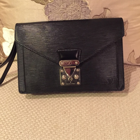 4966500e4989 Louis Vuitton Other - Authentic Louis Vuitton men s clutch