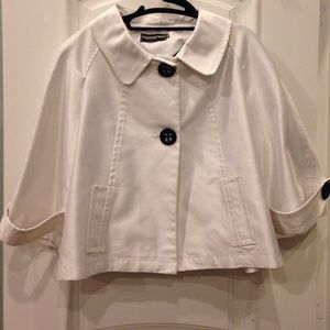 Jackets & Blazers - White cropped jacket/cape