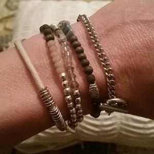 Accessories - Wrap bracelet