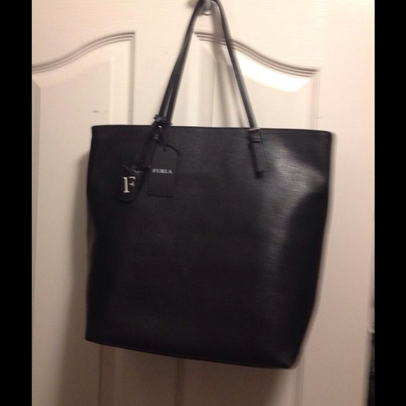 dc6a887823d46 SOLD 🚫Furla large tote. Brand new