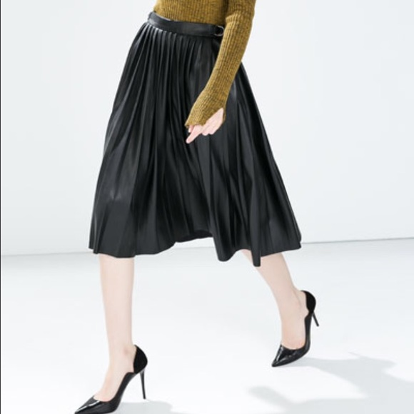 Zara - Black Faux leather pleated midi skirt from Hanna's closet ...