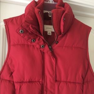 ✨Bundled✨Merona Red Puffy Vest