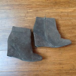 Chinese laundry sued ankle boots