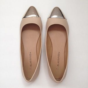 City Classified Pointed Toe Flats