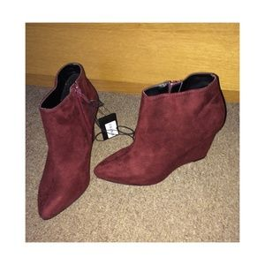 Burgundy Wedged Forever 21 Booties Size:6