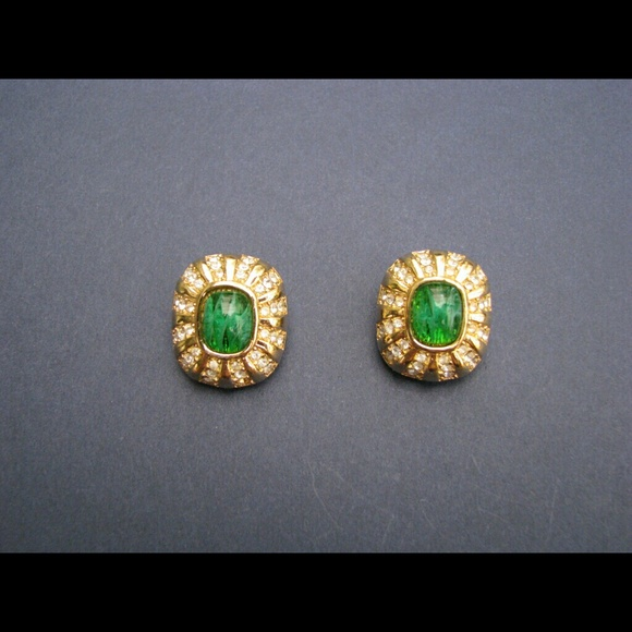 Vintage green snakeskin tassel clip earrings