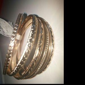 Gold bangles bracelet