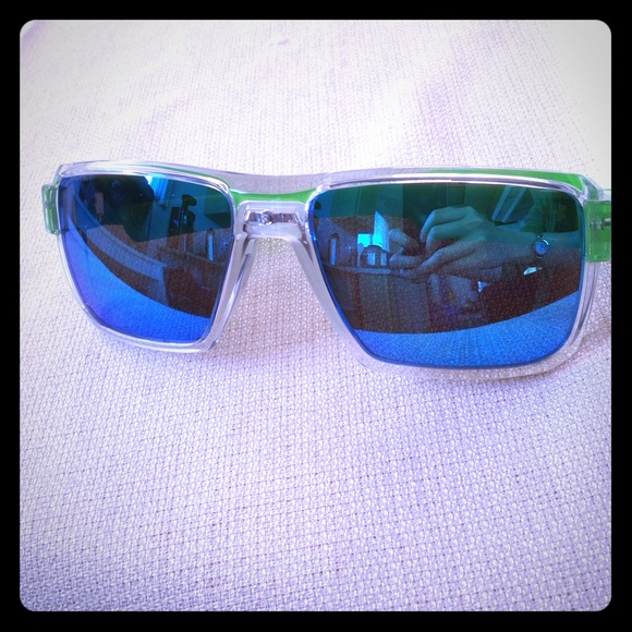 1cbcc02e03 82% off Under Armour Accessories - One day sale!! Under armour recon  sunglasses
