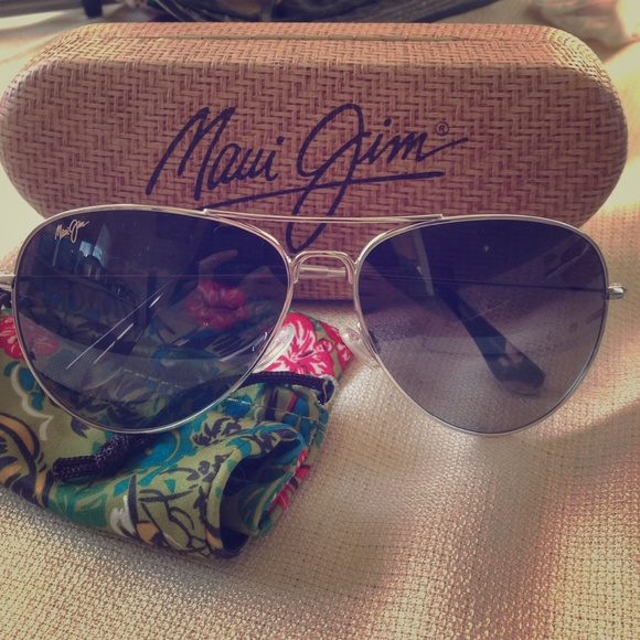 6db07fea0fe Maui Jim Mavericks aviator sunglasses. M 54e28a9fc284565bb7026e5b