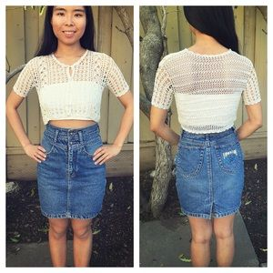 Tops - HP 🎉🍭Boho Scalloped Crotchet Buttoned Crop Top