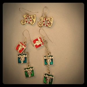 Jewelry - Christmas earrings set