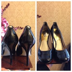 Micheal Kors Black Patent Leather Spike Heels Sz7M