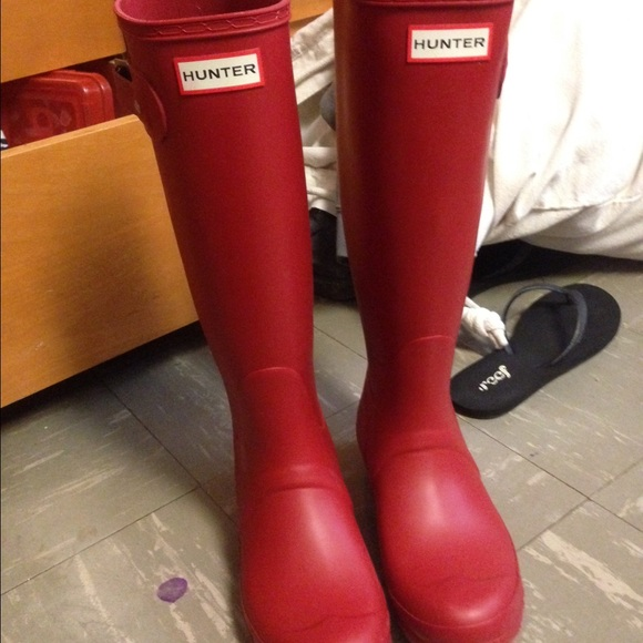38% off Hunter Boots Boots - Matte red Hunter rain boots from ...