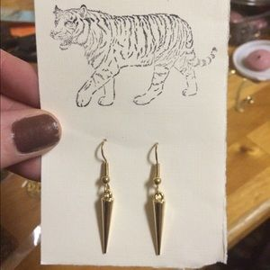 Jewelry - Gold spiked earrings