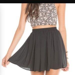 Brandy Melville Dresses & Skirts - Brandy Melville flowy skirt