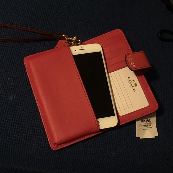 reputable site 73d44 633de Coach Phone Wallet Wristlet NWT