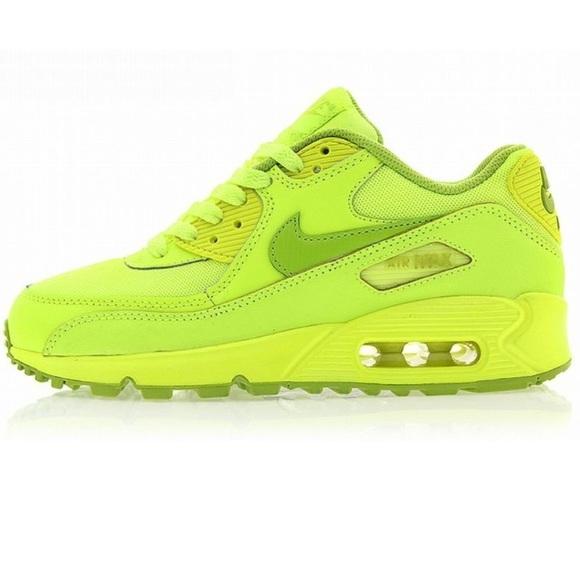 online store 26239 32707 Nike Air Max 90 Gs Volt Fierce Green. M 54e40e962599fe3019002d74