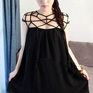Dresses & Skirts - Black netted web dress