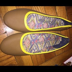 Brown and Neon yellow Flats