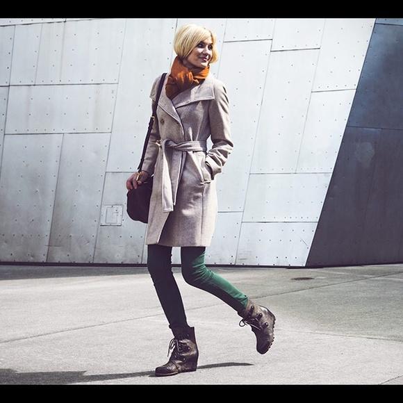 9b382ab0167 SOREL Joan of Arctic Wedge Mid Black Grill Boots. M 54e4b7d14127d0047d006386