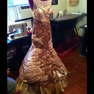 PROM DRESS OR PAGEANT DRESS OF YOUR DREAMS!!!