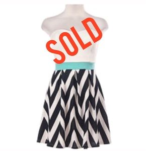 Dresses & Skirts - SOLD In Bundle🔻🔻🔻🔻🔻Chevron Strapless Dress