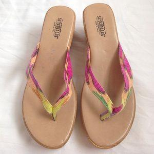 Shoes - ❗️FINAL PRICE❗️Pink Patterned Wedges