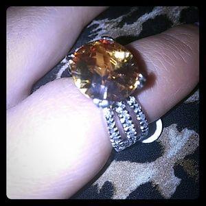Jewelry - Fashion Jewlery ring Yellow Topez stone.