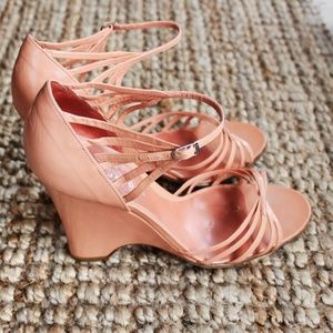 Marc jacobs coral strappy wedges