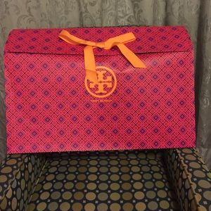 Tory Burch empty boot box wrapping