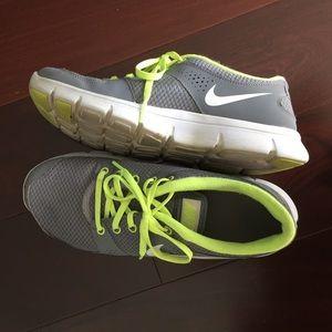Nike free size 9