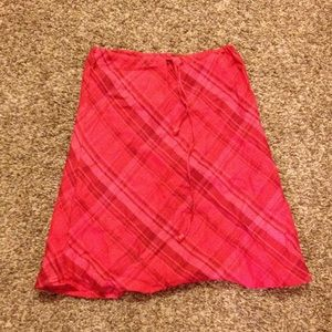 Sherry taylor Dresses & Skirts - Shades of red plaid skirt