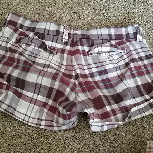 Abercrombie & Fitch Other - Burgundy Abercrombie Cuffed Plaid Shorts