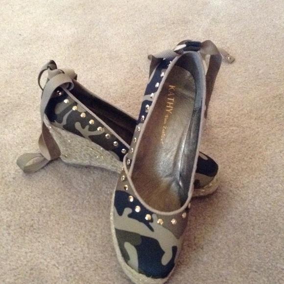 84afc1e2b02597 Kathy Van Zeeland Shoes - Kathy Van Zeeland Camo Wedges