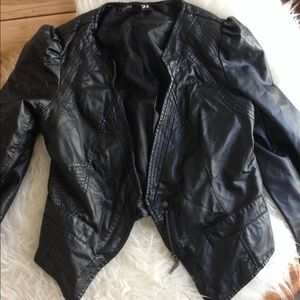 Forever 21 faux leather black cropped jacket
