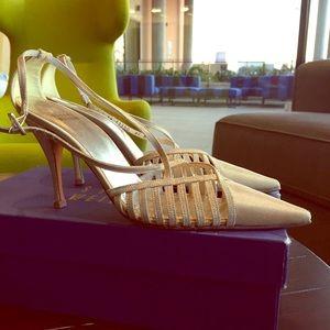 Stuart Weitzman Shoes - Gold Metallic Stuart Weitzman Kitten Heels
