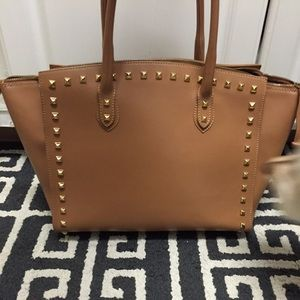 Alberta di Canio Handbags - FINAL PRICE! 🎉Designer Leather Studded Handbag