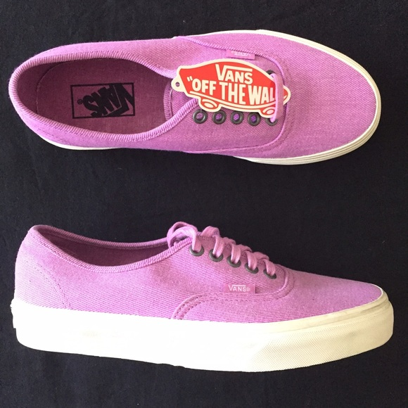 a8159200c869 Brand New Vans Girls Authentic LoPro Jacaranda. M 579ff13f9c6fcf594a009174
