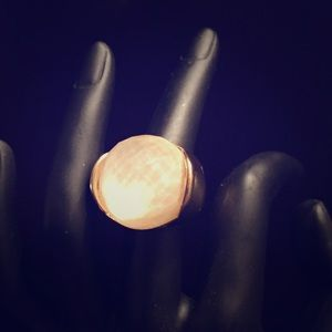 One size fits all cocktail ring gold&pearl color