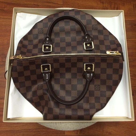 Louis Vuitton - Louis Vuitton gift box w/leather string from ...