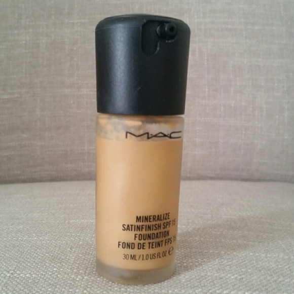 MAC Cosmetics Other - DISCONTINUED MAC Mineralize Satinfinish Foundation
