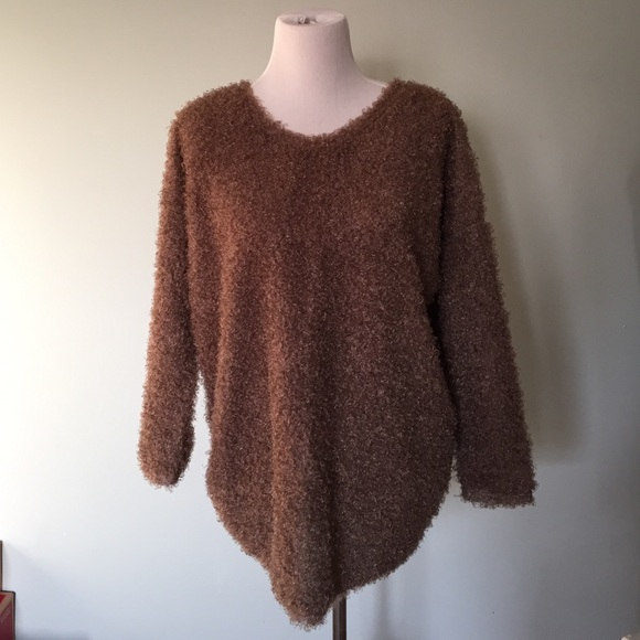 Brown fuzzy sweater M from Anna's closet on Poshmark